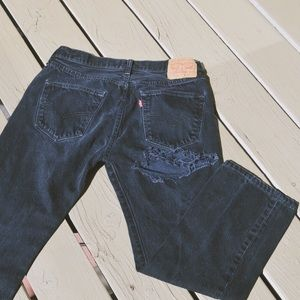 High waisted black Levi's jeans